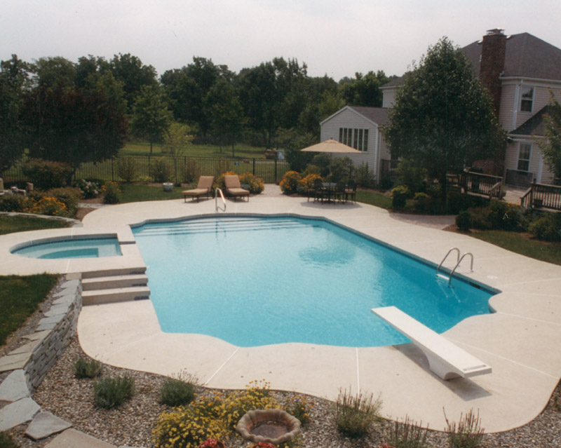 Concrete pool and hot tub in New Jersey